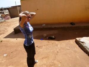 Der Hof vor unserer Unterkunft in Kampala