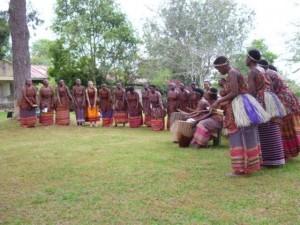 Abschiedsdarbietung der Frauengruppe von Rukararwe